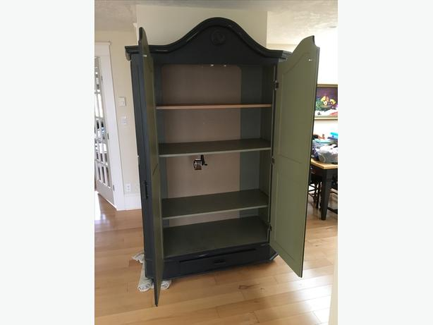 Armoire Wardrobe Entertainment Unit Central Saanich