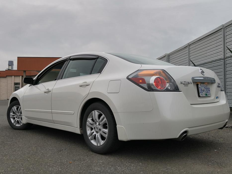 2011 nissan altima 2 5 special edition central nanaimo. Black Bedroom Furniture Sets. Home Design Ideas