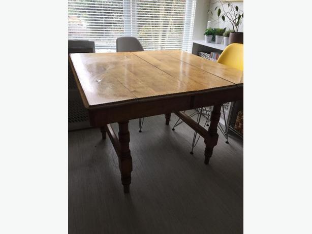 Rustic farmhouse table victoria city victoria for 65 farmhouse table