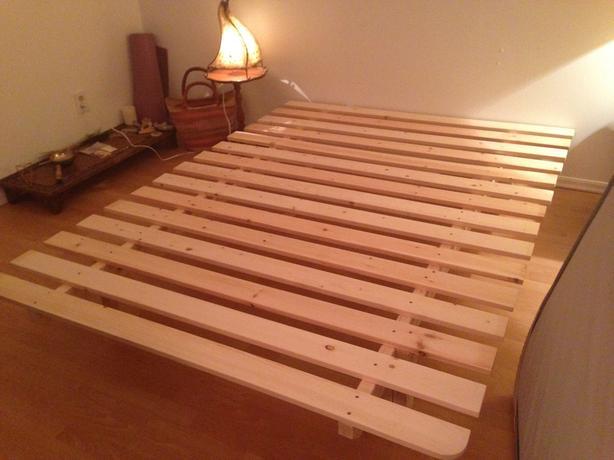 brand new condition wood platform bed frame victoria city victoria. Black Bedroom Furniture Sets. Home Design Ideas