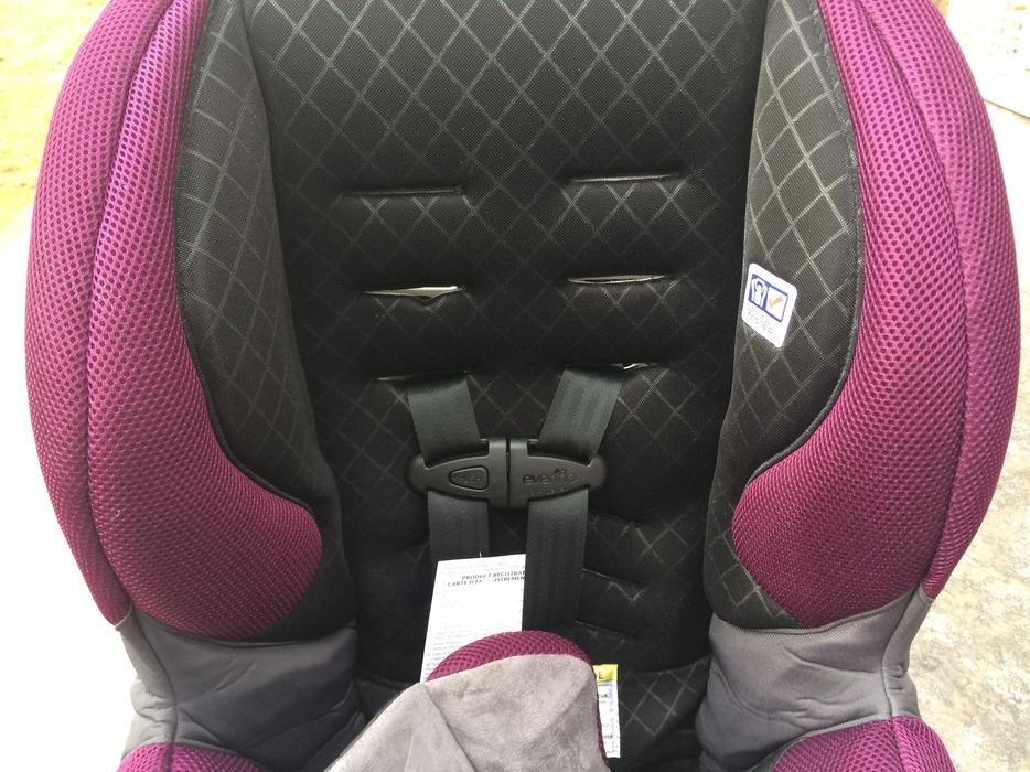evenflo sure ride titan 65 convertible car seat west shore langford colwood metchosin highlands. Black Bedroom Furniture Sets. Home Design Ideas