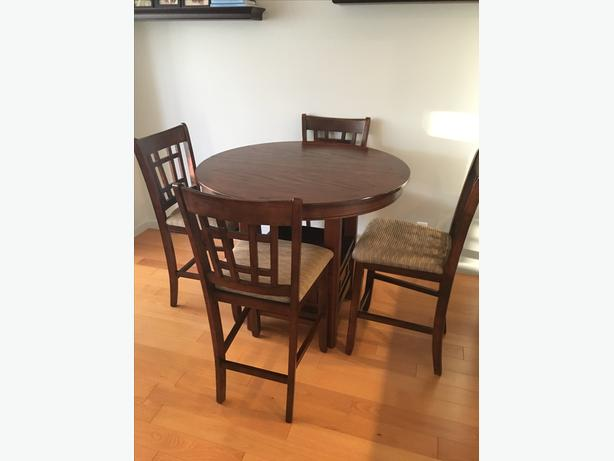 Counter Height Table With Chairs Central Nanaimo Parksville Qualicum Beach