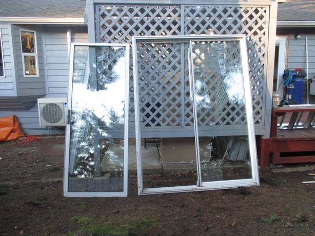 5 foot sliding glass door unit central saanich victoria for Five foot sliding glass door