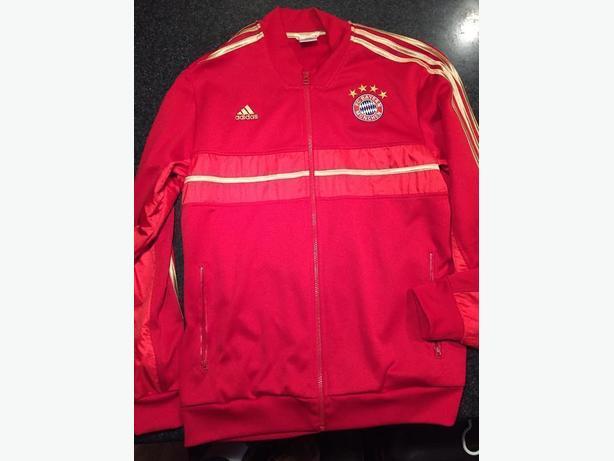 643c09d5c1b2 Bayern Munich Anthem Jacket Adidas Large Saanich