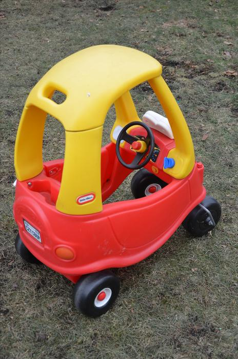 Little tikes coupe for sale victoria city victoria mobile for Little tikes motorized vehicles