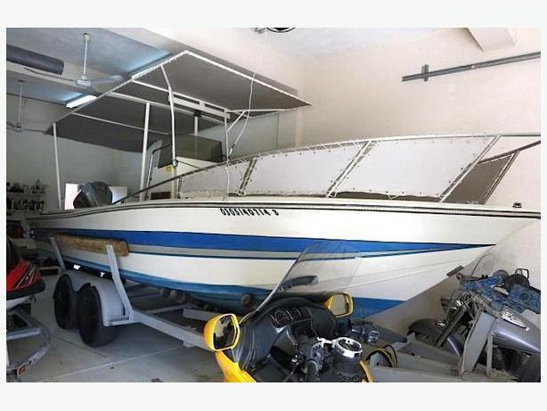 Center Console Sport Fishing Boat For Sale - 1985 Hydra Sports