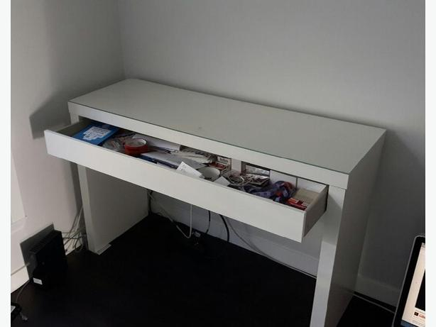ikea desk excellent condition glass top pull out drawer