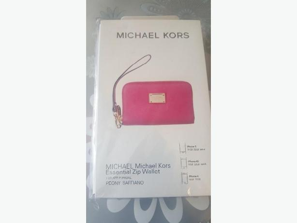 Michael Kors Zip Wallet for Iphone 4, 4S and 5