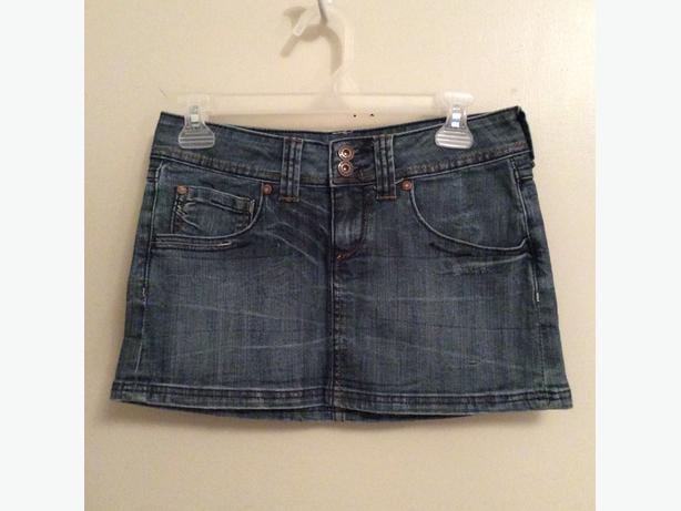 Cute New Denim Mini Skirt, Size 27, Blue Jean