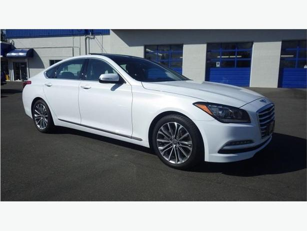 2016 Hyundai Genesis 3.8 Premium AWD Navigation, Panoramic Roof, Leathe