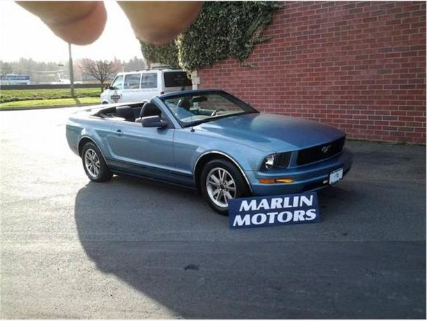 2005 ford mustang v6 deluxe convertible outside victoria. Black Bedroom Furniture Sets. Home Design Ideas