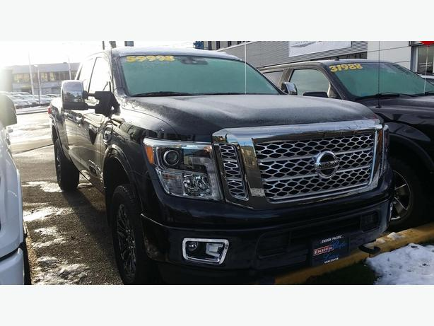 2016 nissan titan diesel platinum reserve 4x4 only 120 km no accident outside victoria victoria. Black Bedroom Furniture Sets. Home Design Ideas