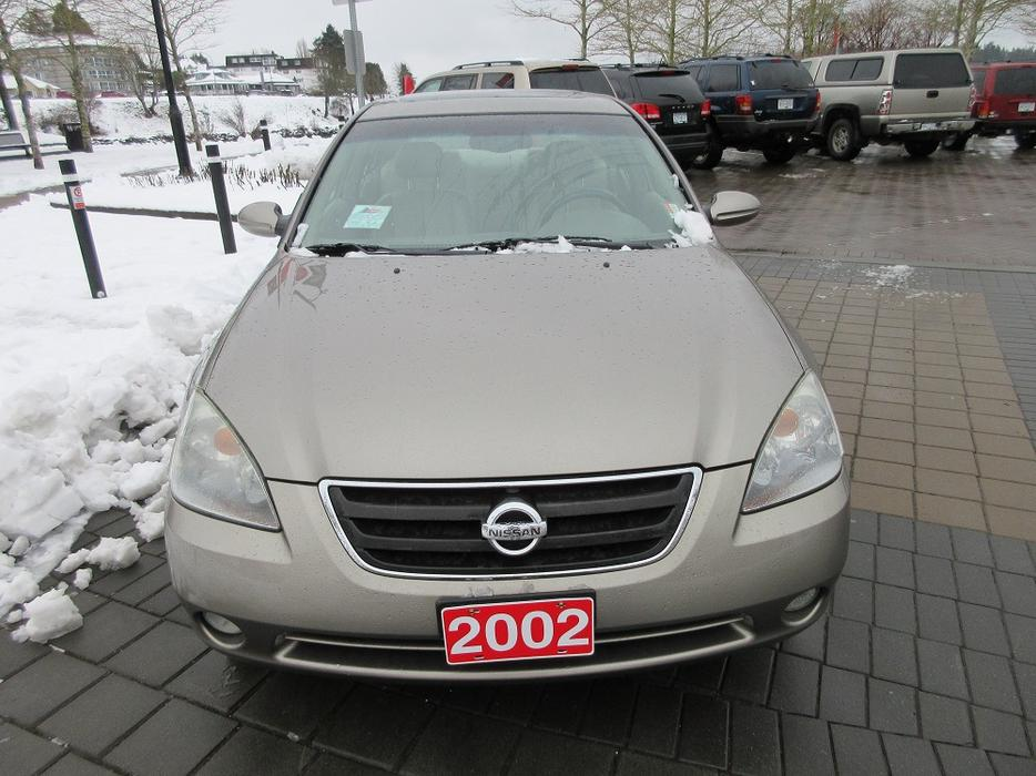 2002 nissan altima 3 5l v6 on sale local vehicle. Black Bedroom Furniture Sets. Home Design Ideas