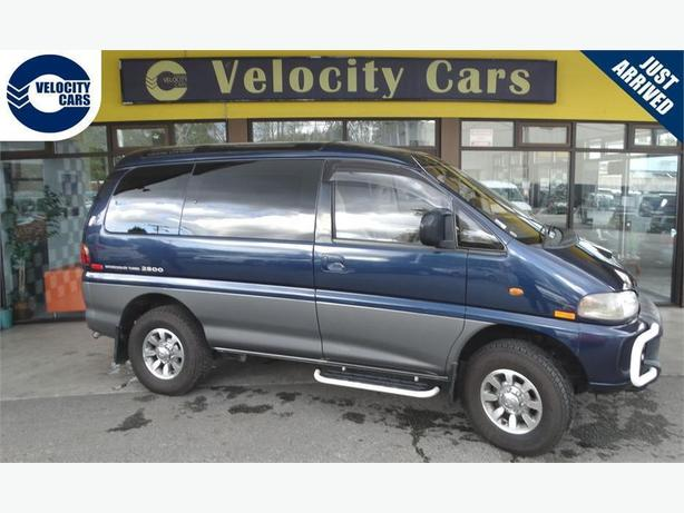 1995 Mitsubishi Delica DIESEL Crystal Roof 118K's 4WD 8-seater