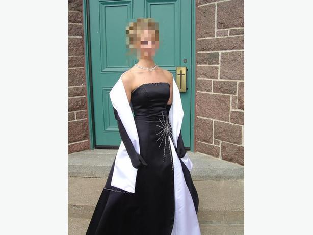 Prom / Graduation dress size 4 / Robe de graduation grandeur 4