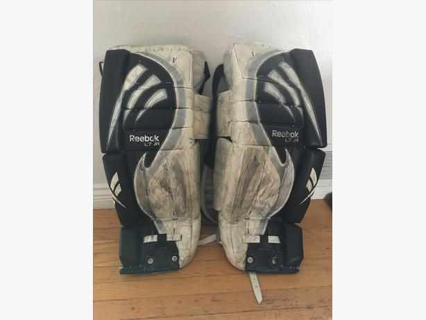 Reebok Goalie Pads Junior Oak Bay, Victoria
