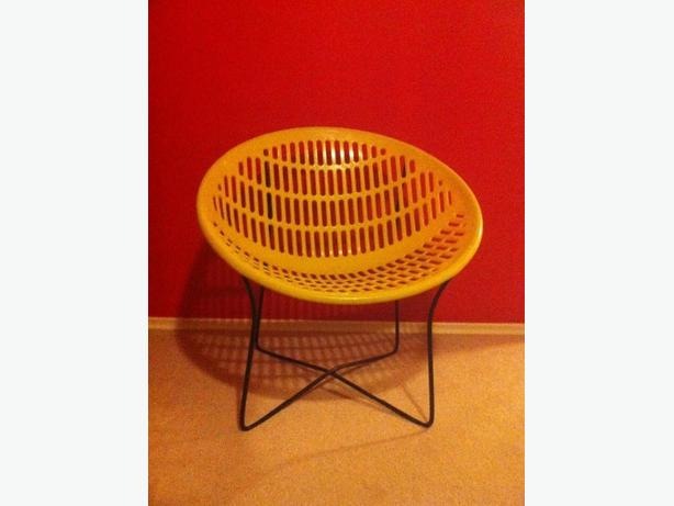 Vintage Solair Chair Oak Bay Victoria