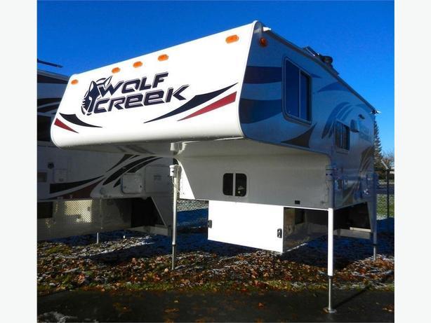 Elegant 2017 Wolf Creek 850  Wow This 4 Season Camper Has A Roll