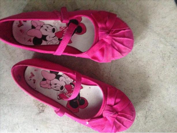 minnie mouse pink shoes size 10 esquimalt view royal