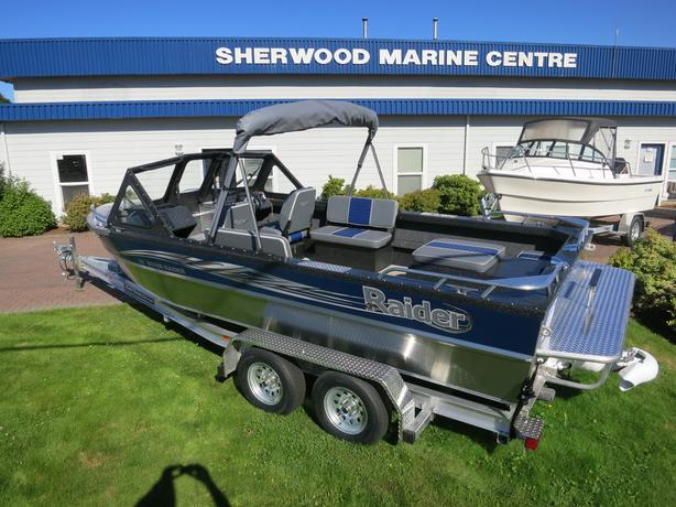 2016 20' River Raider Jet boat