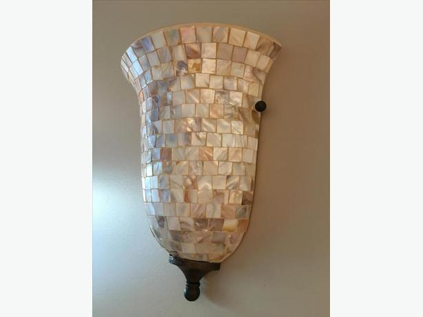 Wall Sconces Used : Wall sconce North Saanich & Sidney , Victoria