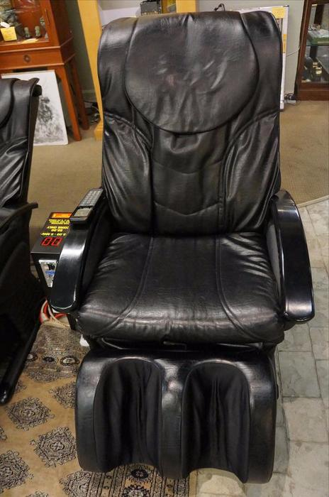 2 pvc leather coin op massage chairs 203267 11 victoria city victoria - Massage chairs edmonton ...