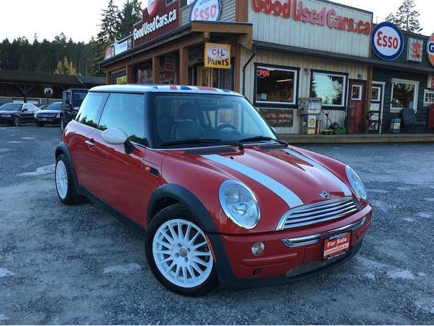 2003 mini cooper sporty manual transmission only 110 km. Black Bedroom Furniture Sets. Home Design Ideas