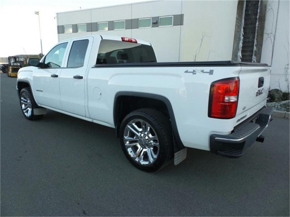 2014 gmc sierra 1500 4x4 w trailering and appearance package outside victoria victoria mobile. Black Bedroom Furniture Sets. Home Design Ideas