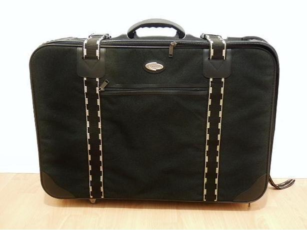 Large Suitcase / Luggage