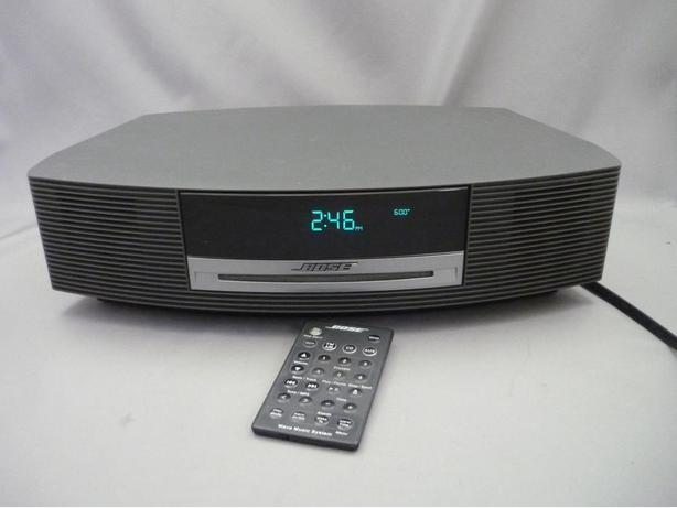 bose wave sound system am fm cd alarm clock auxillary victoria city victoria. Black Bedroom Furniture Sets. Home Design Ideas