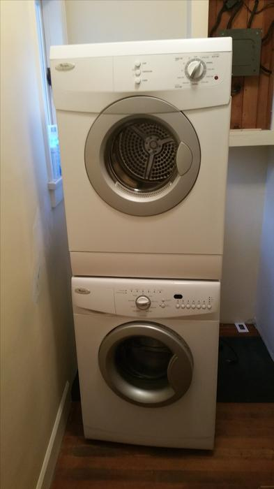 24 wide apartment sized whirlpool stackable washer dryer set saanich victoria. Black Bedroom Furniture Sets. Home Design Ideas