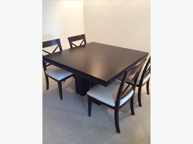 Dining room table and four chairs victoria city victoria for Dining room tables victoria
