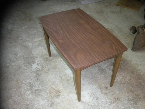 End table small coffee table saanich victoria for Coffee tables 18 inches wide