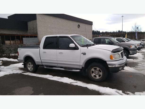 2002 Ford F150 XLT CrewCab 4x4 Pickup.