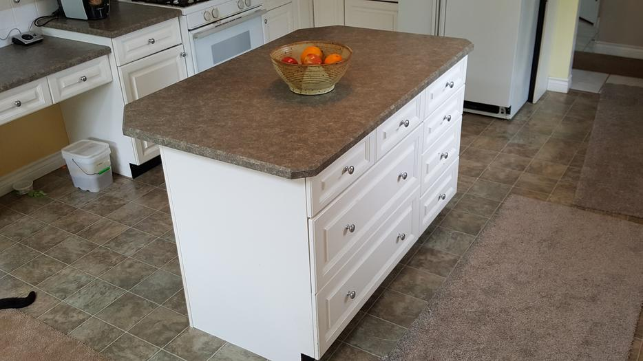 Kitchen cabinets north nanaimo nanaimo for Kitchen cabinets kamloops