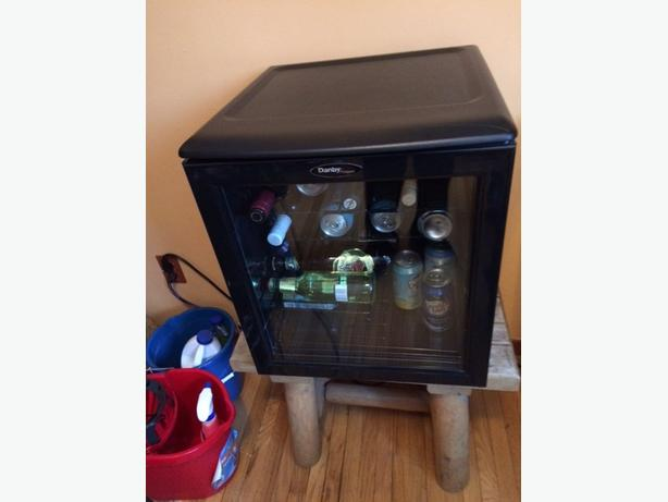 Danby Glass Door Mini Bar Fridge Gloucester Ottawa
