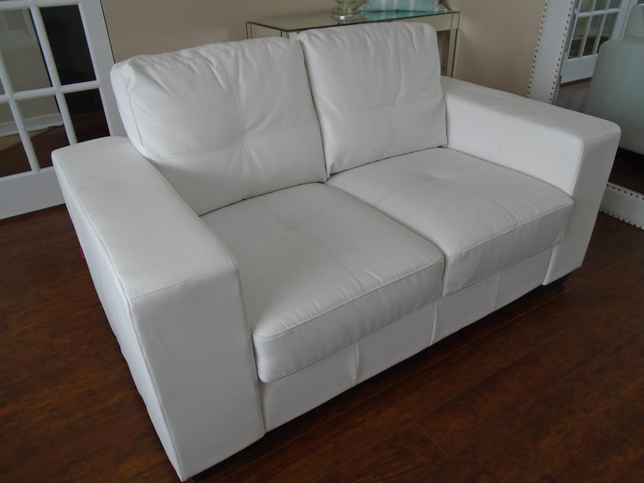 Gorgeous White Quot Pellissima Leather Quot Loveseat Can