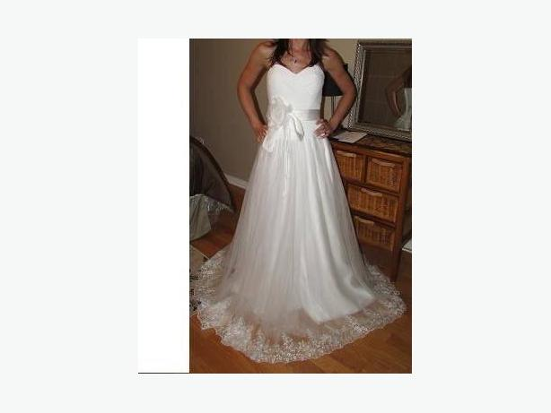 NEW WEDDING DRESS  SIZE 4-6