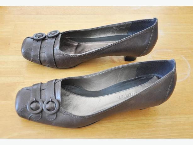 88ceb0818cc61 Clarks Womens Shoes Size US 8.5 Victoria City