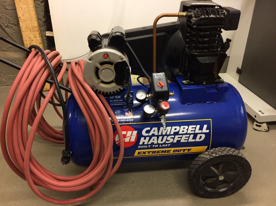 Campbell Hausfeld Air Compressor Wl604006af : Campbell hausfeld gallon air compressor and hose oak