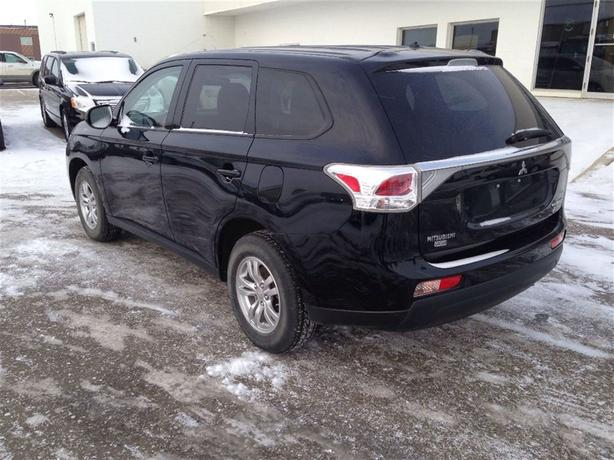 2014 Mitsubishi Outlander AWD V6 ULTRA LOW KM!