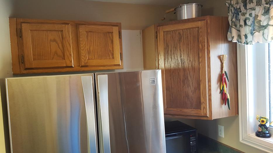 Oak kitchen cabinets including extras north regina regina for Kitchen cabinets kamloops