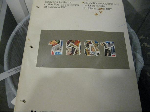 Canada 1981 Stamp Year Book All stamp inside FV=5.59