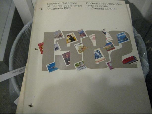 Canada 1982 Stamp Year Book All stamp inside FV=17.