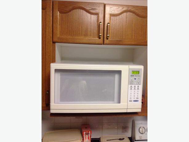 Sanyo microwave white