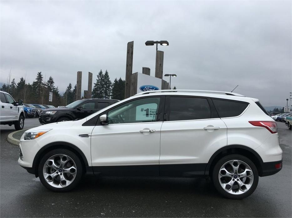2014 Ford Escape Titanium Panoramic Sunroof Heated Seats Outside Victoria Victoria