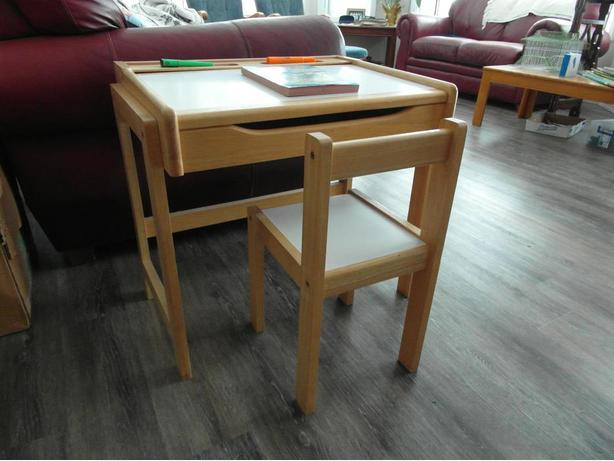 child's flip top desk with matching chair