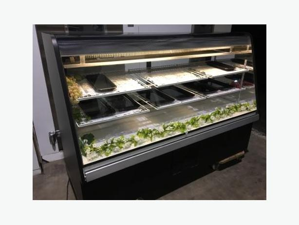 6/FT CURVED GLASS REFRIGERATED DISPLAY COOLER