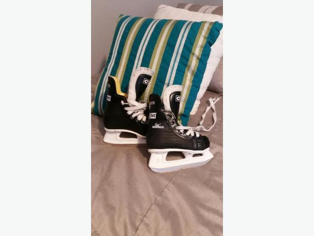 CCM Size 9 (4-5 yr old) Skates for Sale