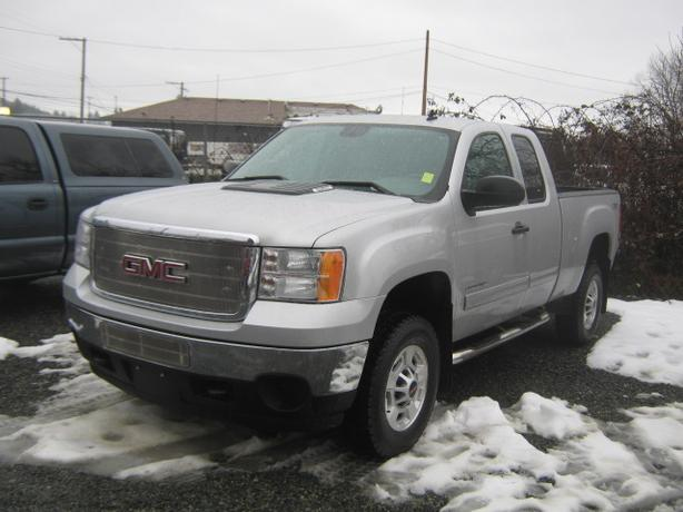 2011 GMC Sierra 2500 HD SLE Low Km's BEST PRICE ANYWHERE!!